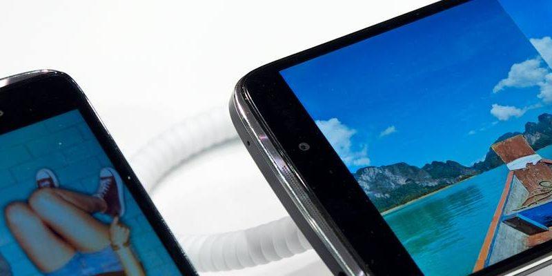Srovnání iGet Blackview A5 a Alcatel One Touch Pop 2