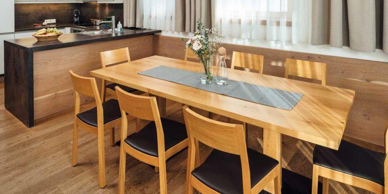 Jak vybrat nejlepší jídelní stůl